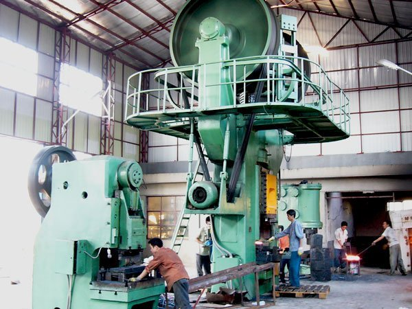 Insight into the production of the Chinese rigging hardware manufacturer Qinde