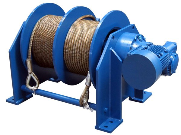 Product example of a winch with double drum and electric drive from Dromec