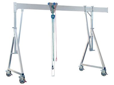 Example of a mobile aluminum gantry crane with single girder system from Schilling Gerätebau