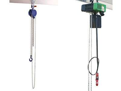 Bottle and chain hoists as accessories for portal cranes of the German manufacturer Schilling Gerätebau